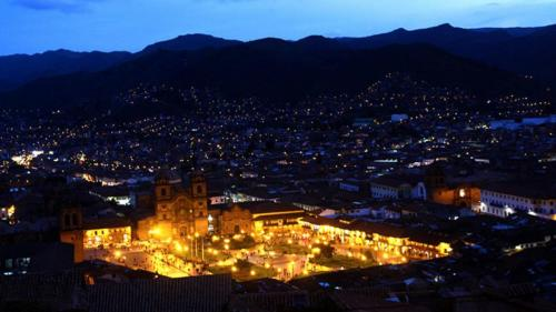 cusco-nightlife-plaza-de-armas-1280x720